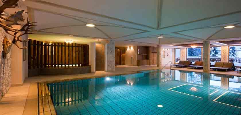 italy_dolomites_corvara_hotel-sassongher_indoor-pool.jpg